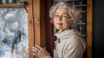 Cornelia Froboess als Frau Holle (Foto: ZDF/Boris Laewen)